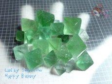 画像10: 蛍光反応 フローライト各種  蛍石 鑑別済み メニューにより八面体あり (10)