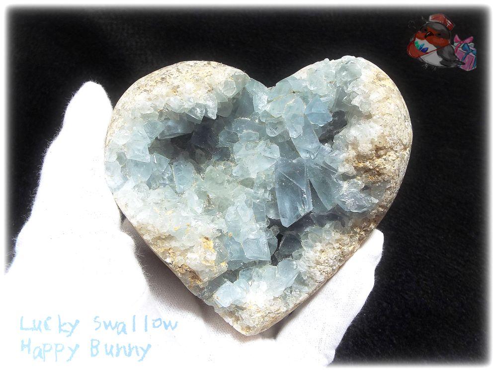 画像1: 約627g マダガスカル産 セレスタイト ハートカービング インテリア 結晶 標本 (別名:celestite 天青石 せれすたいと ) No.3555 (1)