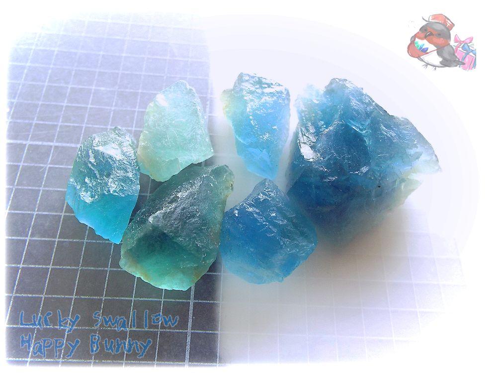 画像1: 蛍光反応 ブルーフローライト ブルーグリーンフローライト 蛍石 原石 No.3680 (1)
