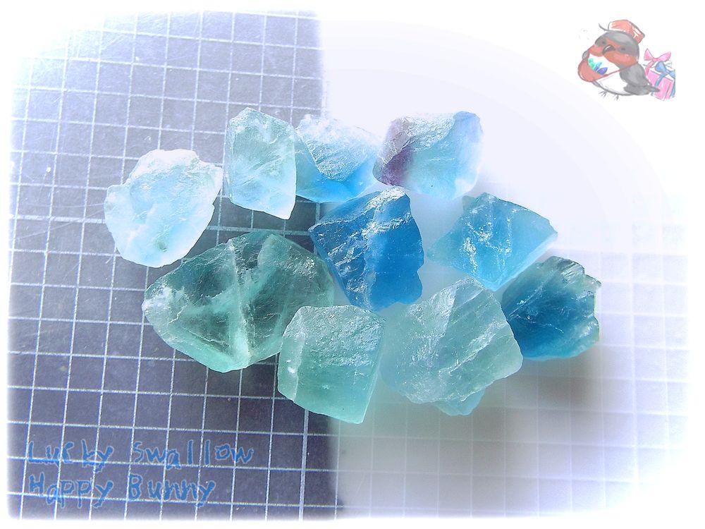 画像1: 蛍光反応 ブルーフローライト ブルーグリーンフローライト 蛍石 原石 No.3681 (1)