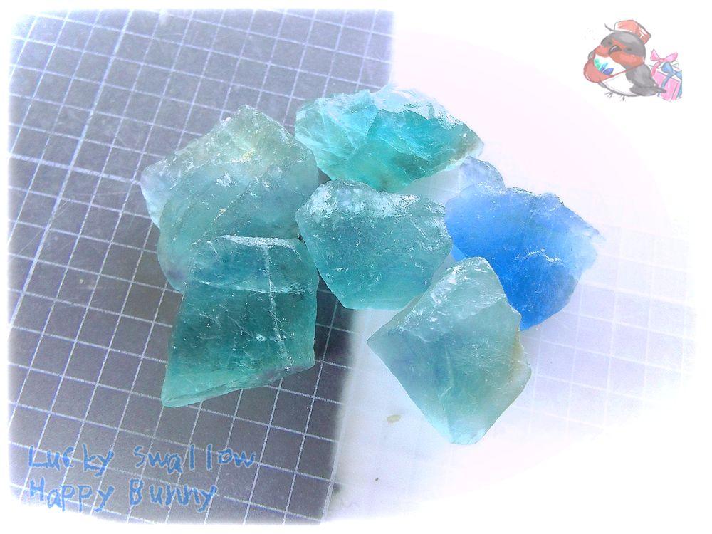 画像1: 蛍光反応 ブルーフローライト ブルーグリーンフローライト 蛍石 原石 No.3683 (1)