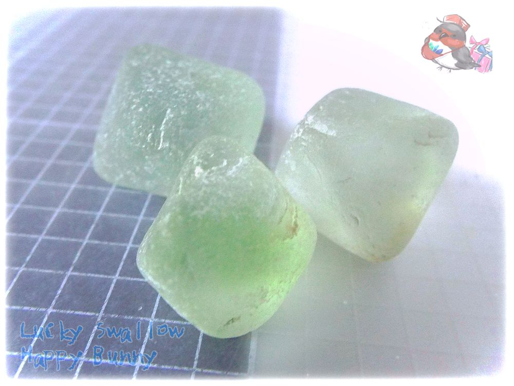 画像1: 砂糖菓子風フローライト八面体 No.3694 (1)